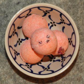 Badepraline mit Schafmilch Rose-Cassis