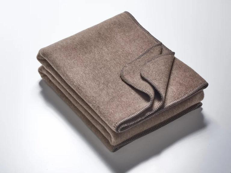 Wolldecken schlamm mit anthrazitfarbener Kettelung