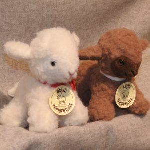 Schafwoll-Kuscheltier Lamm klein