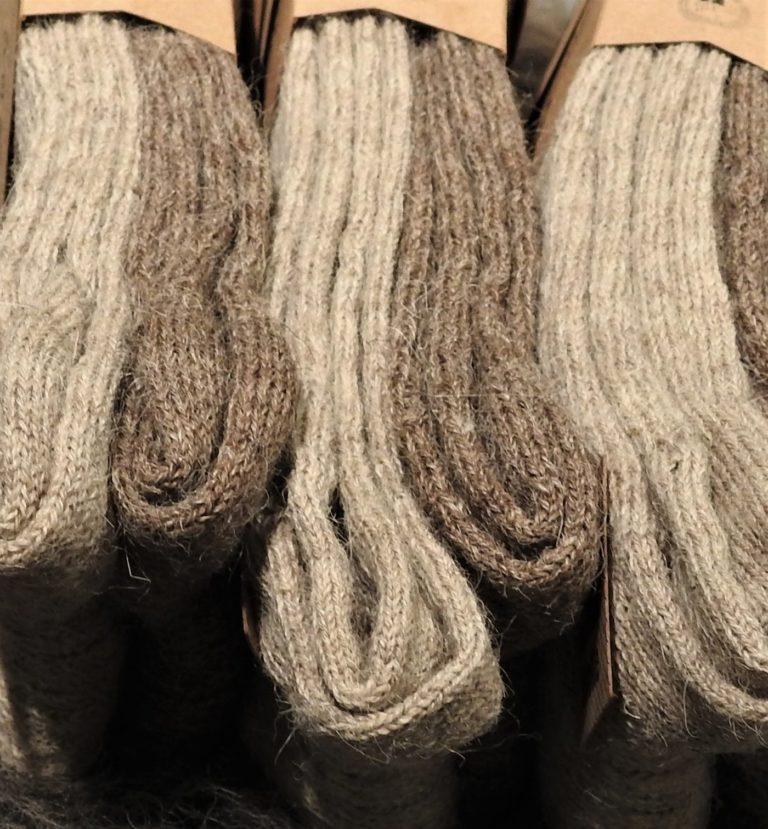 Schafwolle und Alpakawolle Socken grau