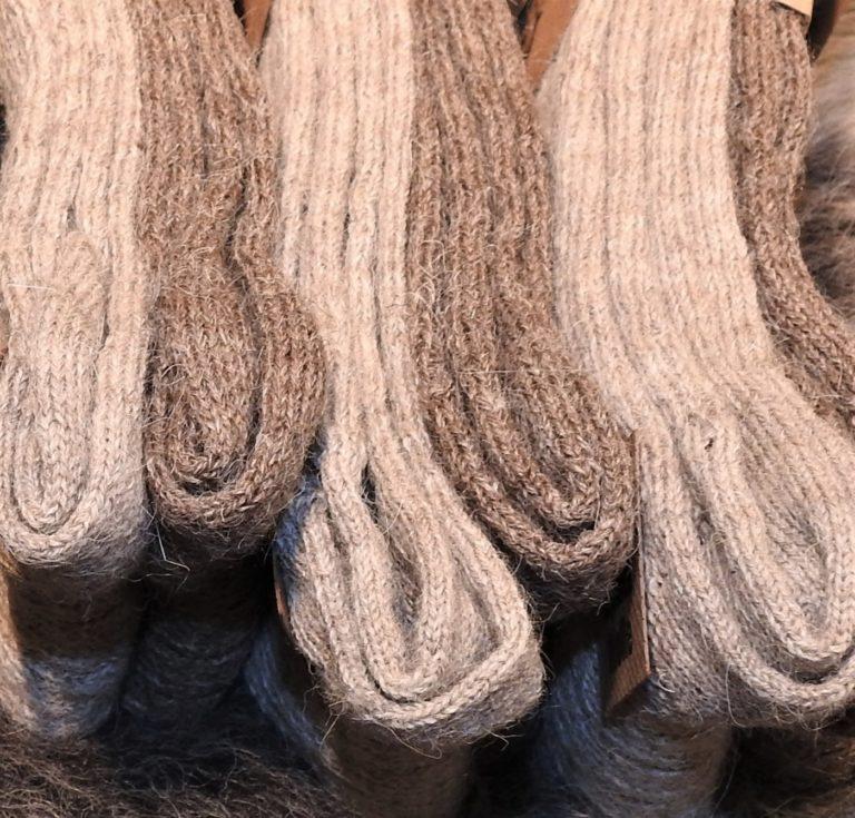 Schafwolle und Alpakawolle Socken braun
